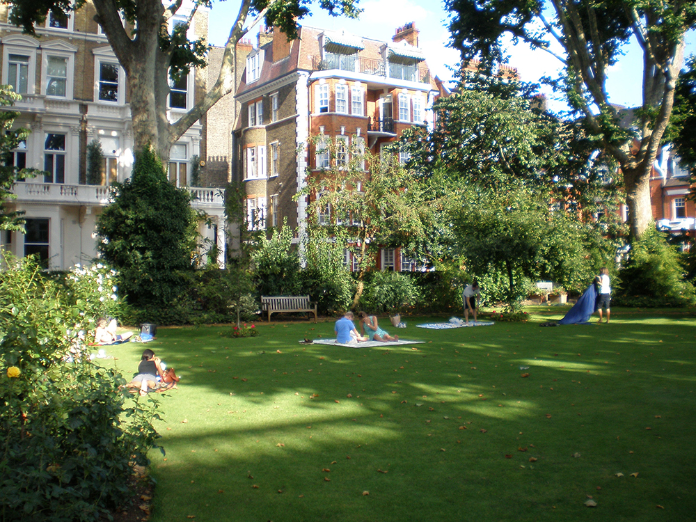 Garden-with-people